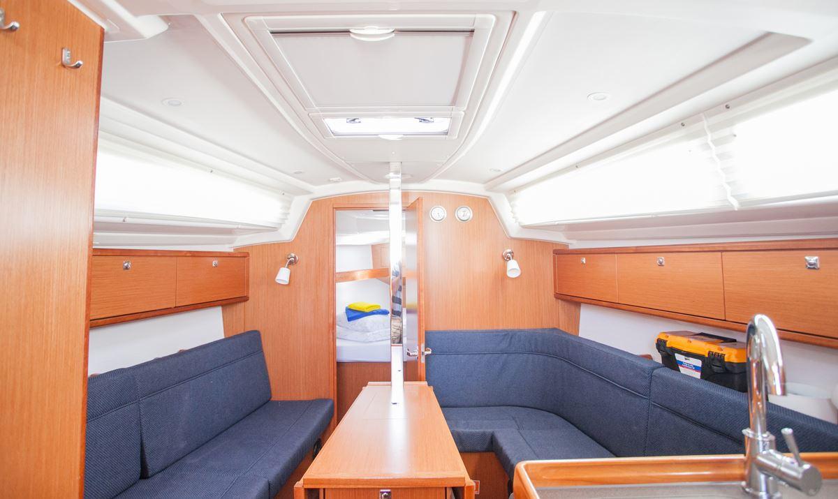 Bavaria Cruiser 34  11