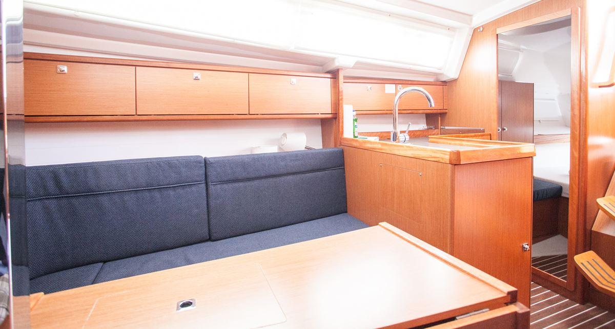 Bavaria Cruiser 34  13