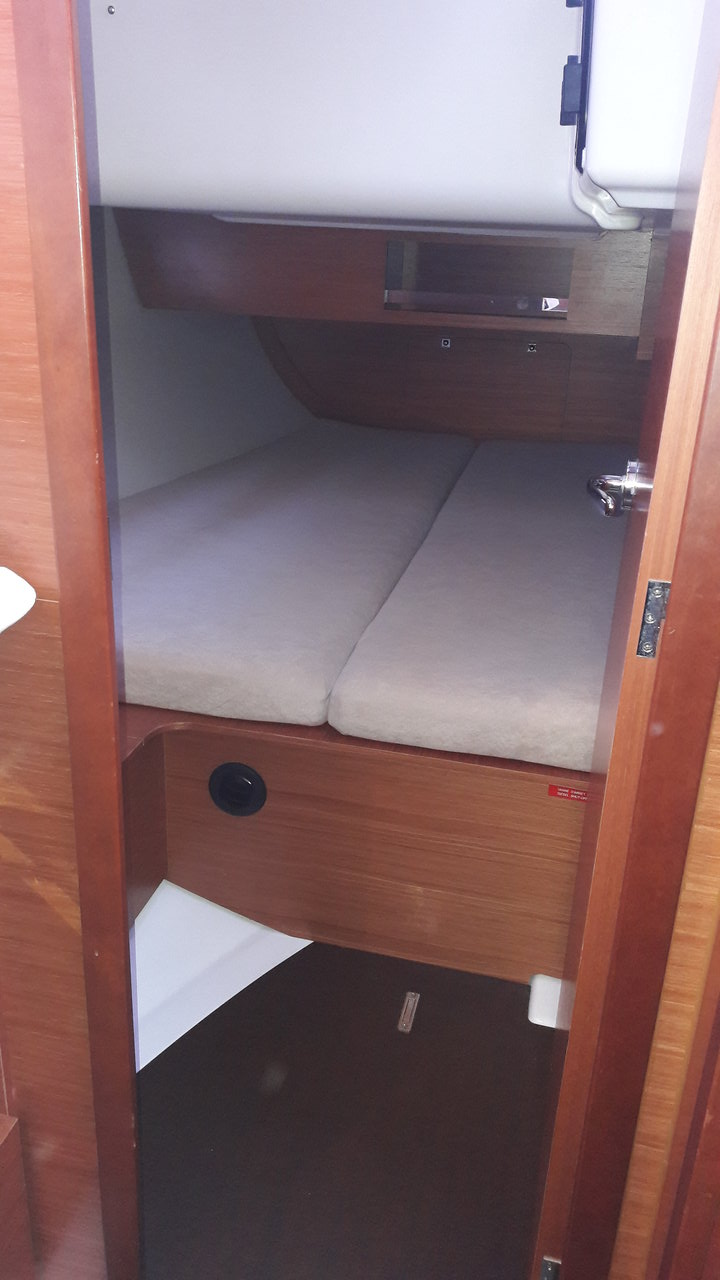 Dufour 390 Grand Large  12