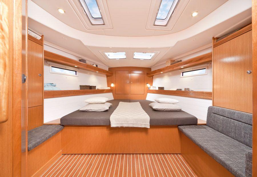 Bavaria-50-Cruiser-5cab-cabin.jpg