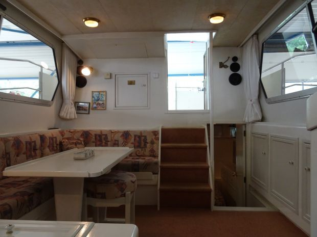 Atlantic-37-2cab-interior.jpg
