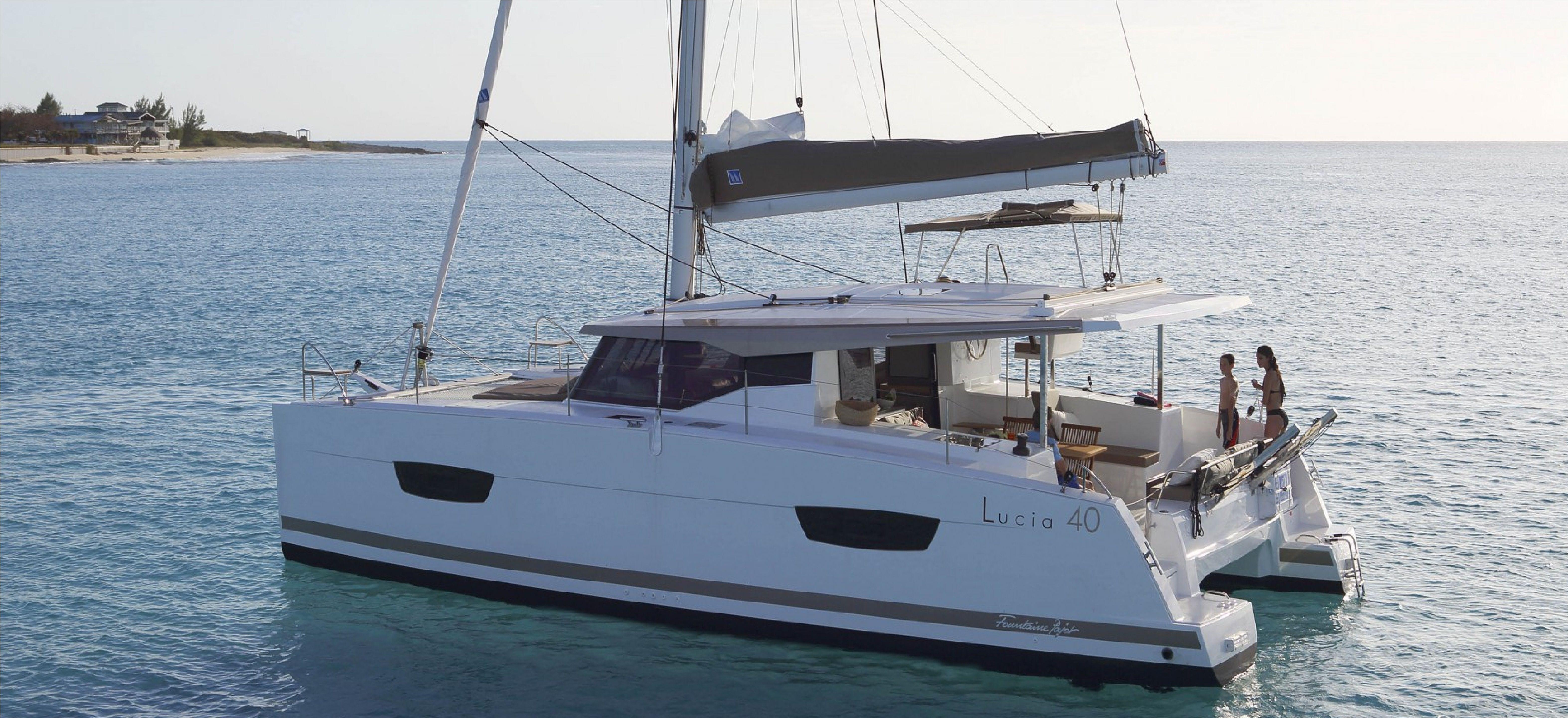 Lucia-40-Cabin-4-Side.jpg