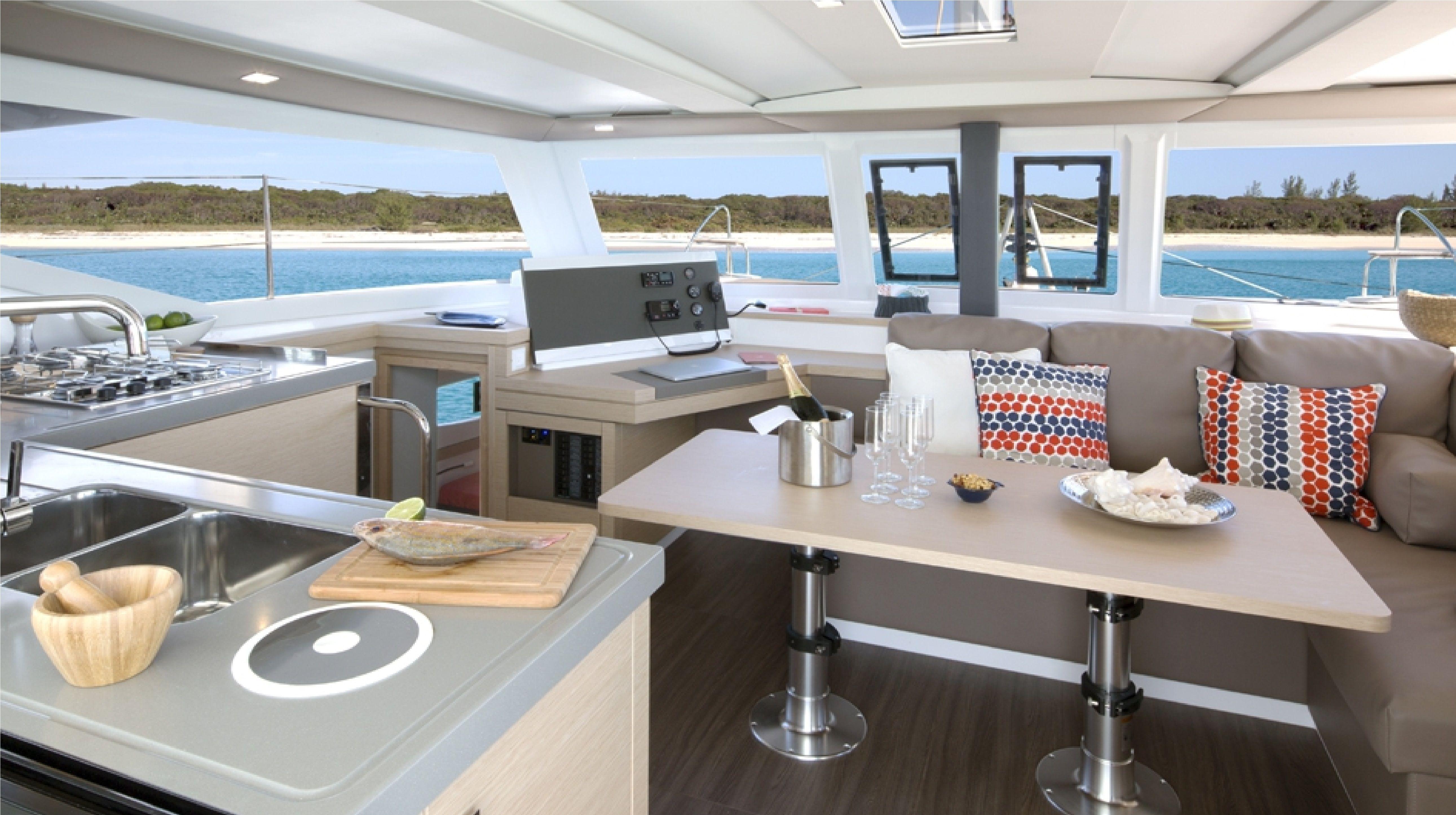Lucia-40-Cabin-4-Pantry:Salon.jpg