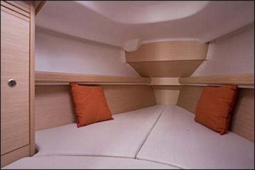 First-31.7-Vorschiff-2-Cab-1-WC.jpg