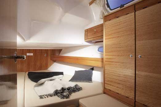 Bavaria-39-Cruiser-3cab-cabin.jpg