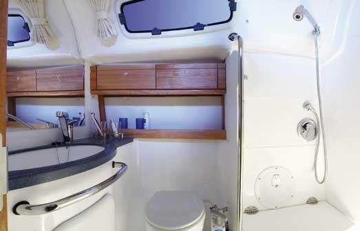 Bavaria-39-Cruiser-3cab-wc.jpg